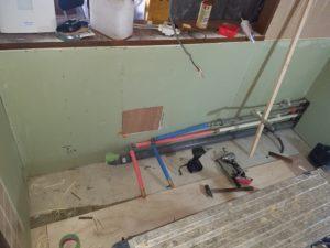 キッチンリフォームの水道配管