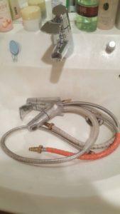 北九州市戸畑区で洗面台の蛇口水漏れトラブル