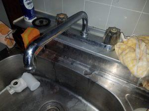 北九州市小倉南区でキッチンの蛇口のパッキン交換修理。